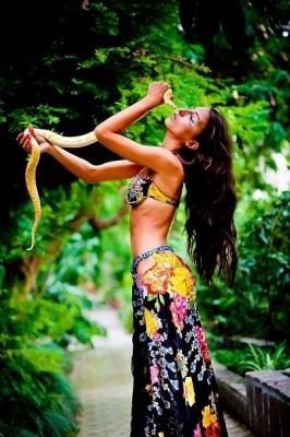 Танец со змеей