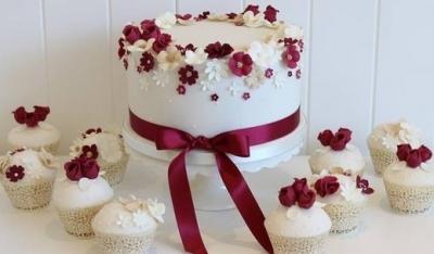 Свадебный торт №2  3кг + капкейки
