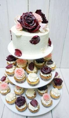 Свадебный №70 Торт 2 кг+10 капкейков