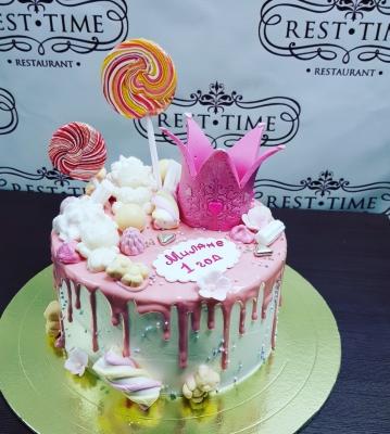Торт детский С короной за кг