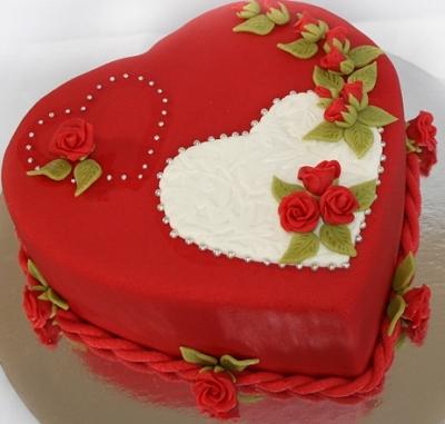 Торт Сердце с розочками 2,5кг