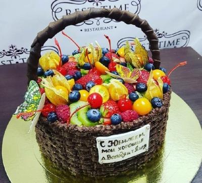 Торт Лукошко с фруктами за кг